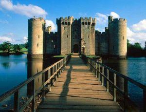 Dünyanın En Görkemli Tarihi Kaleleri