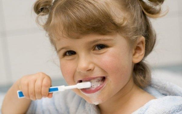 Bebeklerde Diş Bakımı Nasıl Olmalıdır? galerisi resim 1