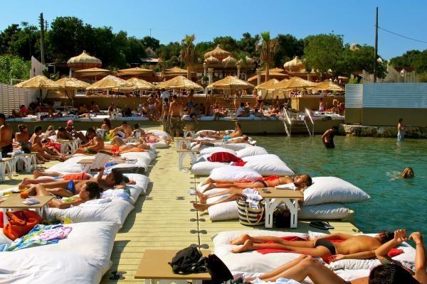 Çeşme'nin En İyi Beach Club'ları galerisi resim 4