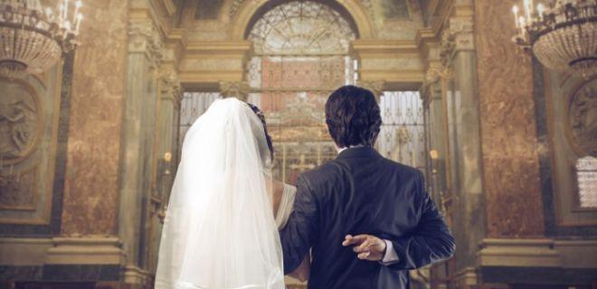 Para İçin Evlenen Ünlü İsimler