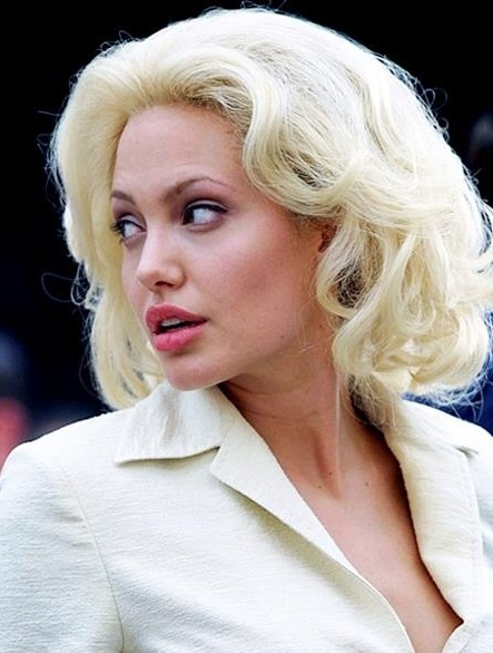 Marilyn Monroe'ye Benzemeye Çalışan Ünlü Kadınlar galerisi resim 1