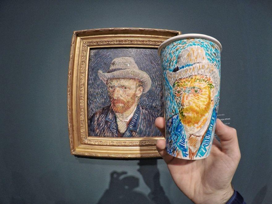 Gördüklerini Karton Bardağa Çizen Sanatçı galerisi resim 1
