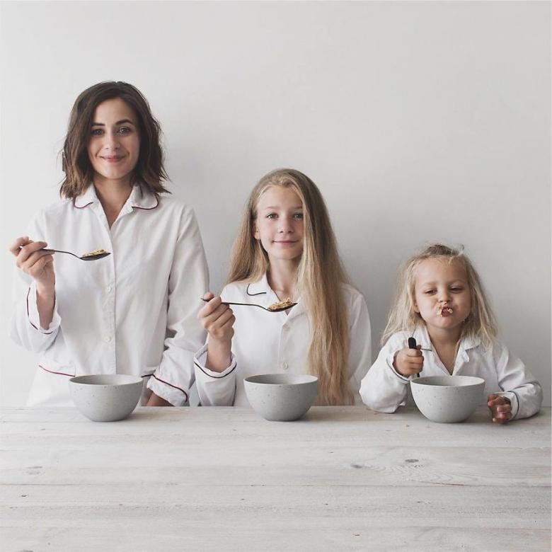 Anne ve Kızlarının Uyum İçerisindeki Sevimli Fotoğrafları galerisi resim 12