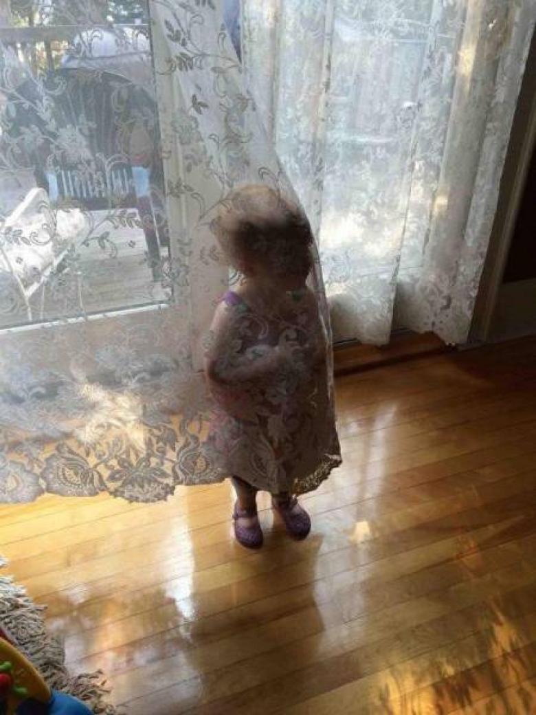Saklanmayı Başaramayan Küçük Yaramazlar galerisi resim 8