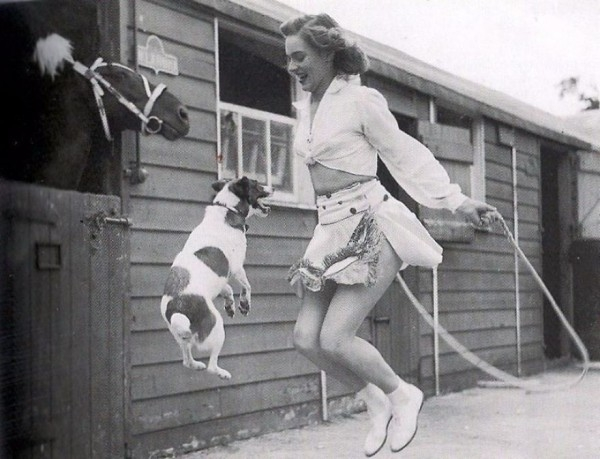 Hayvanlarının Sahipleriyle Çekilmiş Nostaljik Fotoğrafları galerisi resim 17