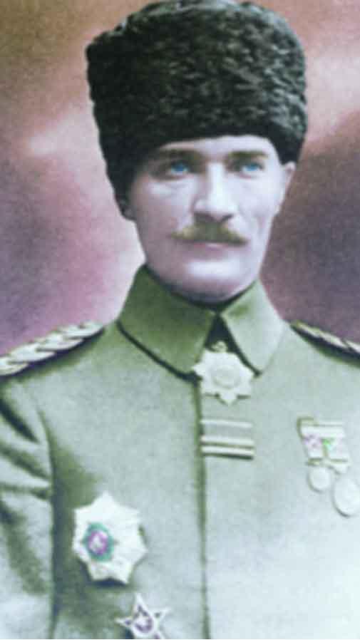 Renklendirilmiş Atatürk Fotoğrafları Çok Özel Resimler galerisi resim 1