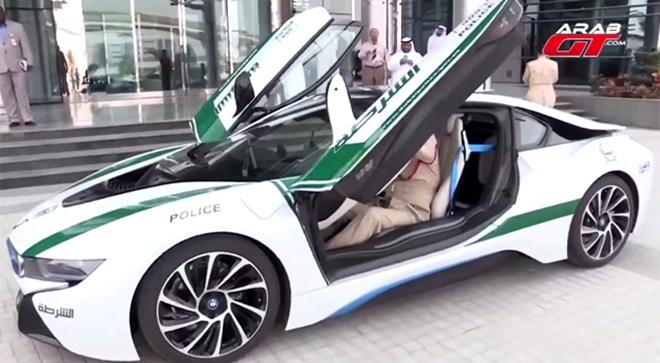 Dubai Polisinin Süper Lüks Arabaları galerisi resim 3