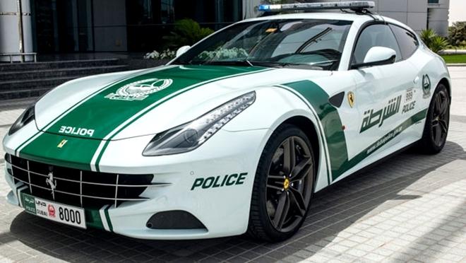 Dubai Polisinin Süper Lüks Arabaları galerisi resim 4