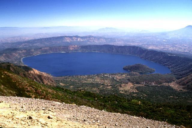Dünyanın En Güzel Volkanik Gölleri galerisi resim 2