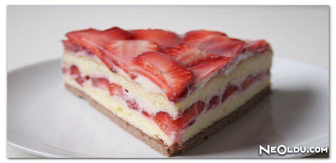 Çilekli Kedidili Pasta