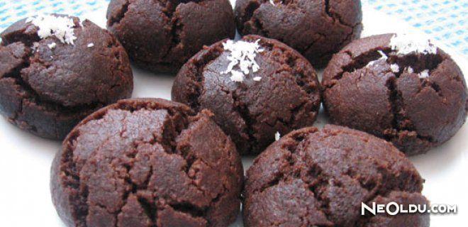 Çikolatalı Acıbadem Kurabiyesi Tarifi