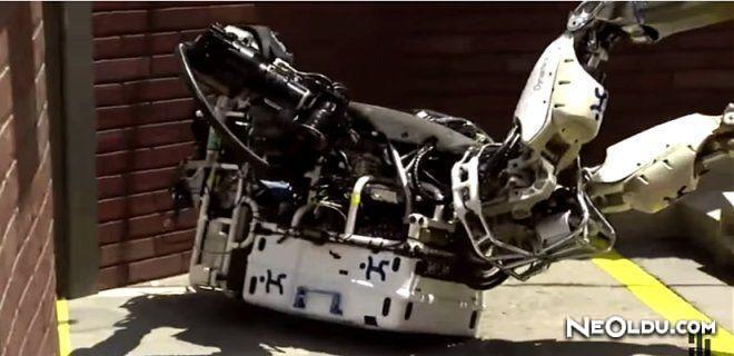 Robotlar Da Düşer
