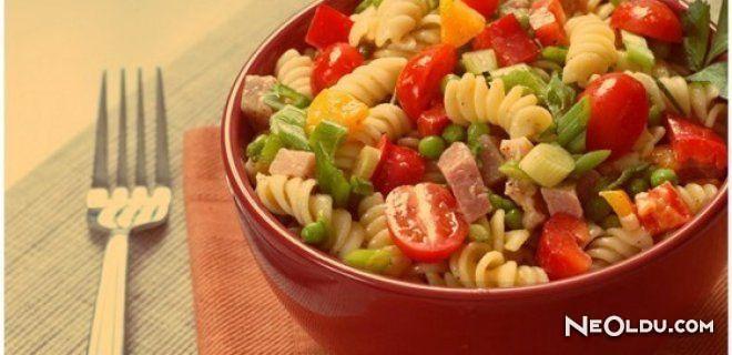 Salamlı Makarna Salatası Tarifi