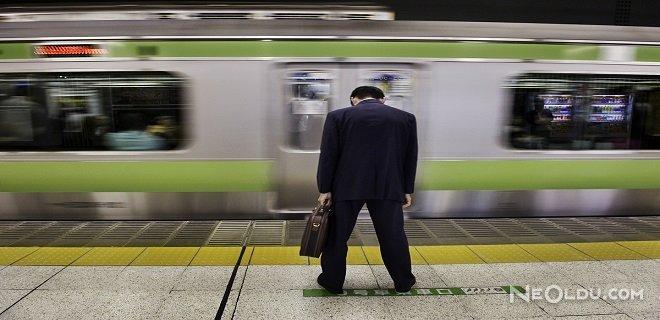 Japonya'da Uzun Çalışma Saatleri Can Alıyor
