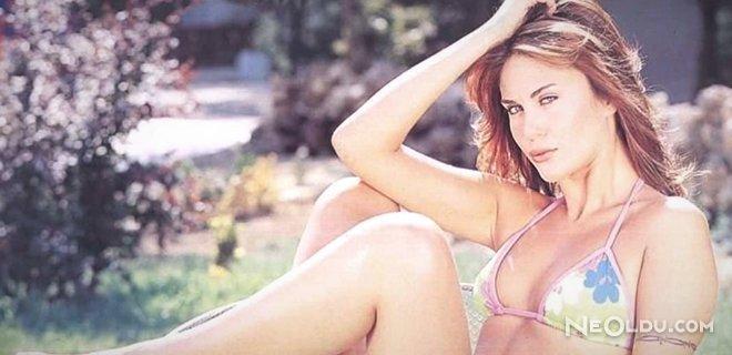 Demet Şener'den Bikini Sitemi