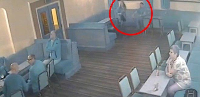 Hamile Eşine Tekme Attı! Bebeğini Öldürdü