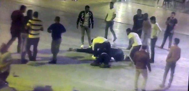 Kavgada 4 Kişiyi Öldüresiye Dövdüler!