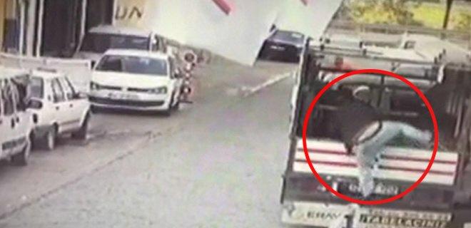 İstanbul'da 1 Dakikada 3 Bin Liralık Hırsızlık