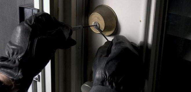 Hırsız, Evin Sahibini Canice Öldürdü!