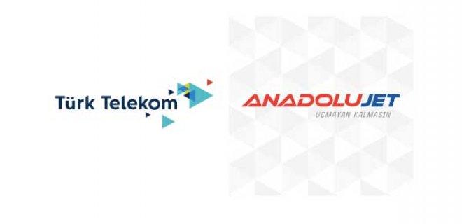 Türk Telekom Müşterilerine AnadoluJet Uçak Biletinde 50 TL İndirim