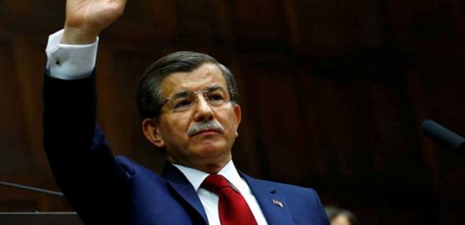 """Yeni Parti Kuracağı İddia Edilen Ahmet Davutoğlu'ndan """"Korkmayın"""" Çıkışı"""