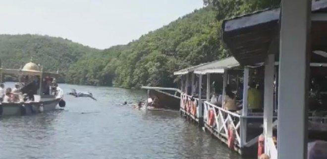 İstanbul Şile'de Çardak Çökmesi Sonucunda Vatandaşlar Göle Düştü