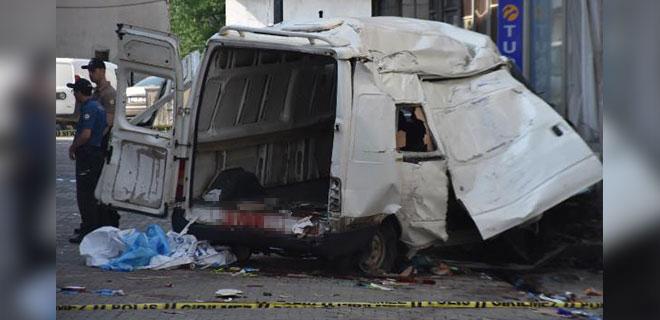 Katliam Gibi Kaza! Edirne'de Göçmenleri Taşıyan Minibüs Devrildi: 10 Ölü, 30 Yaralı!