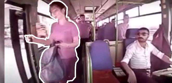 Dalgınlığı Hayatına Mal Oldu! Giden Otobüsten Düştü Hayatını Kaybetti! İşte O Anlar...