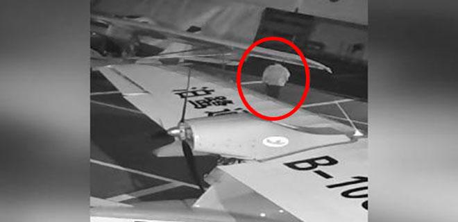 Hayatı GTA Sandı! Uçak Çalarken Kameralara Böyle Yakalandı!