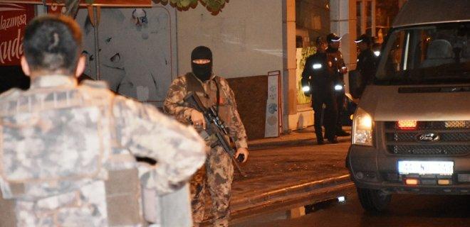 Eşini, Çocuklarını ve Komşusunu Av Tüfeğiyle Rehin Aldı! Özel Harekat Polisleri Hazır Bekledi!
