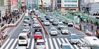 İngiltere'de Trafik Neden Soldan Akar?