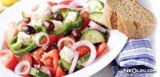 Yunan Salatası (Höriatiki) Tarifi