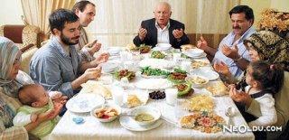 Ramazan Ayında Nasıl Beslenmeliyiz?