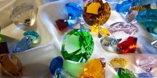 Değerli Taşların İç Dünyası:  Gemoloji