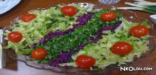 Karışık Marul Salatası Tarifi