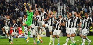 Juventus Barcelona'yı Dağıttı!