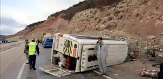 Tokat'ta Öğrenci Servisi Devrildi