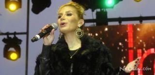 İrem Derici Single Konserini İstanbul'da Verdi