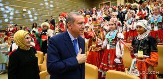 Erdoğan Çocuklara Türkçe'miz Şiiriyle Seslendi