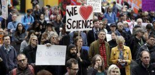 Bilim İnsanları İlk Kez Dünya Çapında Yürüyüşte