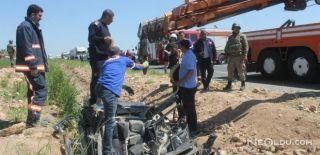 Tanker Otomobili Ezdi: 2 Ölü, 1 Yaralı