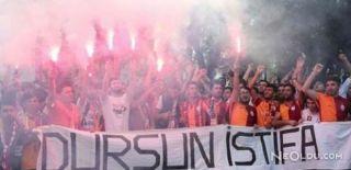Galatasaray Taraftarından İstifa Çağrısı