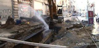 İstiklal Caddesi'nde Su Borusu Patladı!