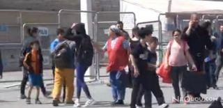 Taksim Meydanı'nda Öğrenci Kavgası