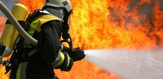 Ataşehir'de 7 Katlı Binada Yangın