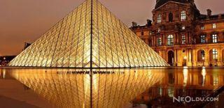 Louvre Müzesi Boşaltıldı!