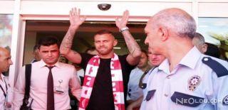 Antalyaspor Taraftarı Menez'i Karşıladı