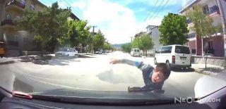 Çocuğa Çarpan Aracın Kaza Anı Kamerada