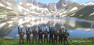 Mehmetçik İkiyaka Dağları'nda Bayramlaştı