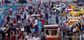 Güneş Batınca Taksim'e Koştular